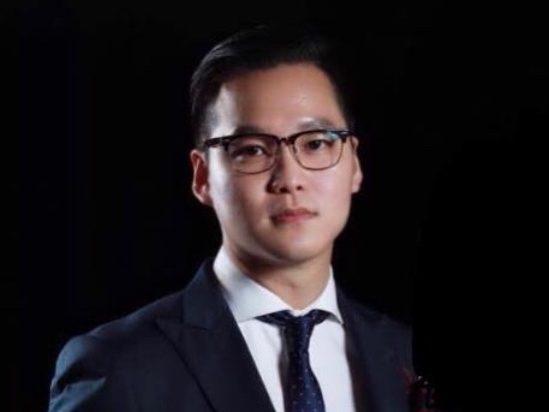 Dr Aren Yong